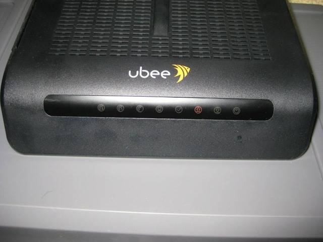 Ubee EVW3200 WiFi modem